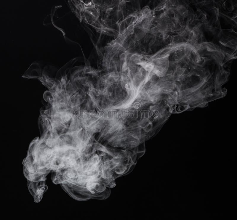 Vit rök av cigaretten arkivbilder