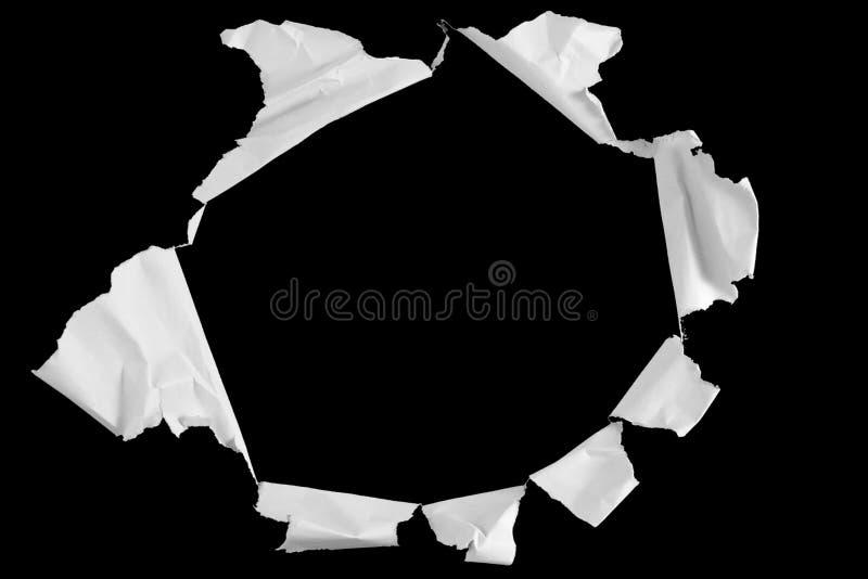 Vit skrynkligt papper med håleffekt, med mellanrumet som svart tavlabakgrund, idéutbildning royaltyfria bilder