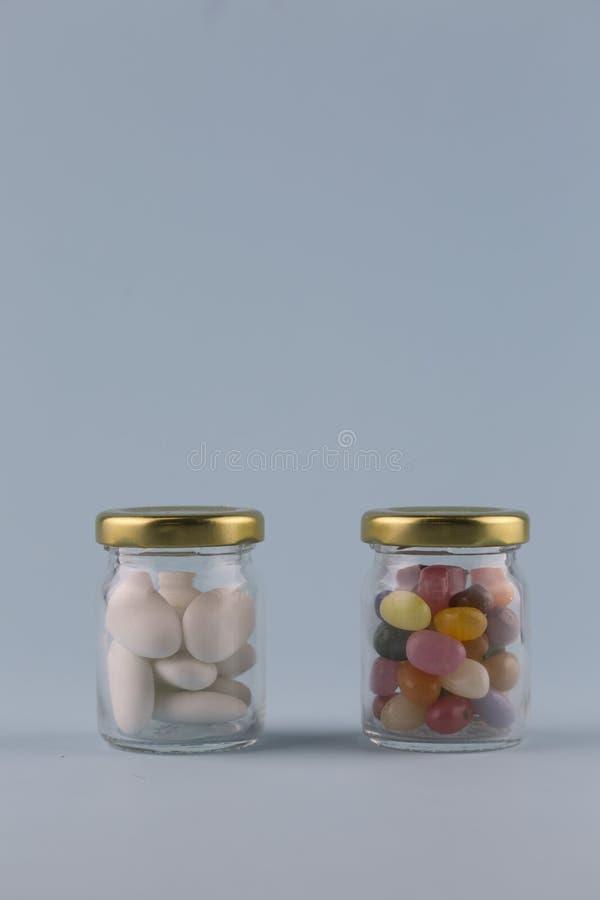 Vit sockrade mandlar royaltyfria foton