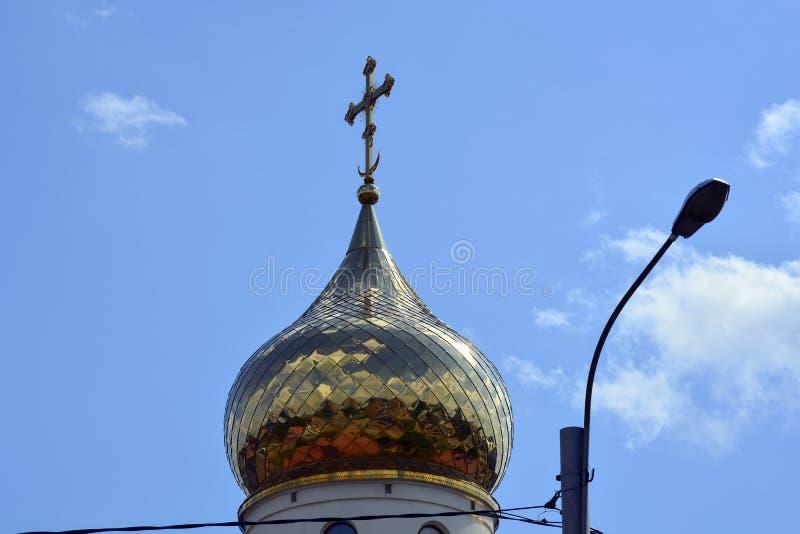 Vit stenkyrka av Ryssland arkivfoto