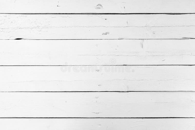 Vit trävägg som göras av plankor royaltyfria bilder