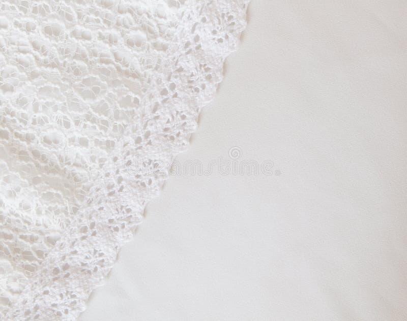 Vit tygtexturbakgrund, vit bakgrund för satängtygtextur arkivfoton