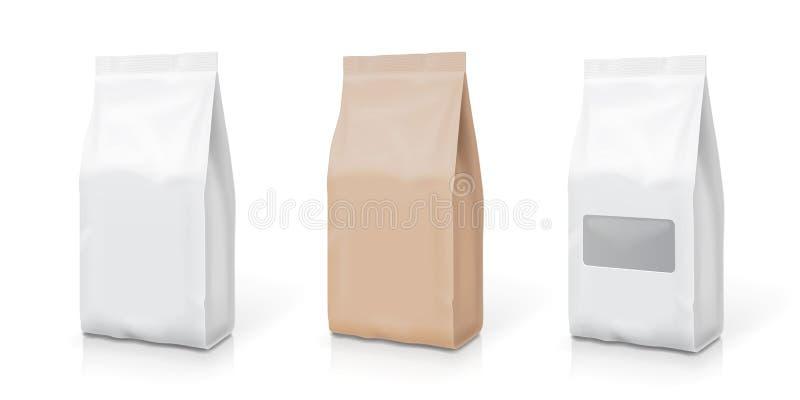 Vit uppsättning för folie- eller pappersmellanmålpåse Förpacka i mat också vektor för coreldrawillustration vektor illustrationer