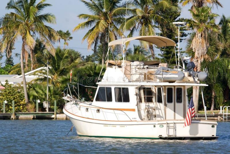 vit yacht royaltyfri fotografi