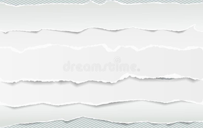 Vita avlånga pappers- remsor förlade en över andra med den sönderrivna kanten i horisontalposition, papper för anmärkning är på k stock illustrationer