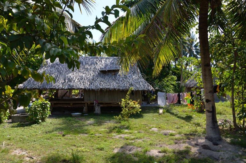 Vita del villaggio su un'isola del Pacifico del Nord fotografia stock