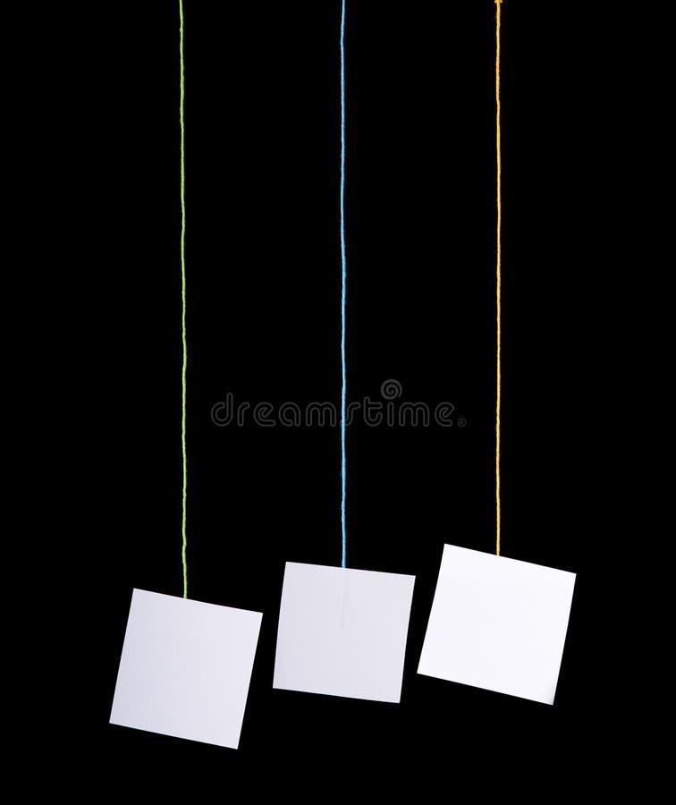 vita hängande etiketter royaltyfri fotografi