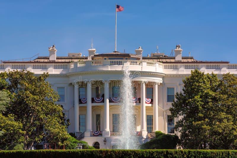 Vita Huset i Washington DC på den härliga dagen fotografering för bildbyråer