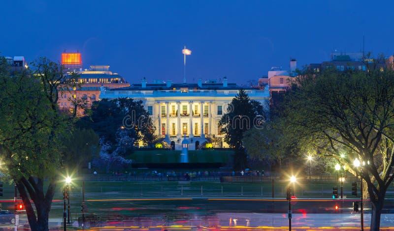 Vita Huset på natten - Washington DC arkivfoton