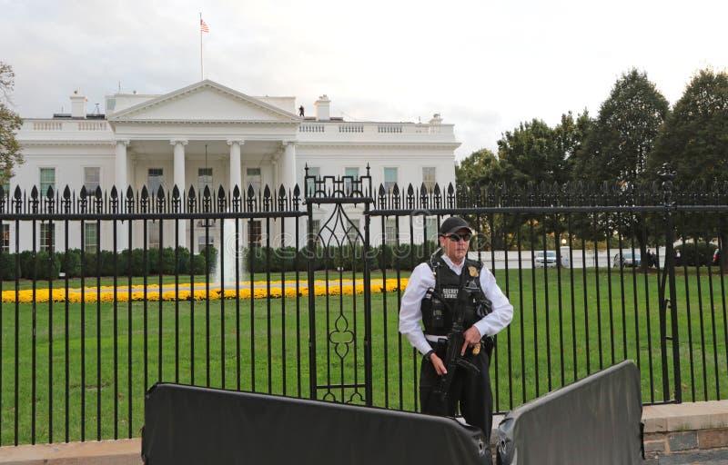 Vita Huset Washington, DC som skyddas av presidentens säkerhetstjänst royaltyfri foto
