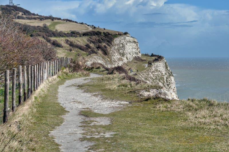 Vita klippor Dover för nationell förtroendebana arkivfoton
