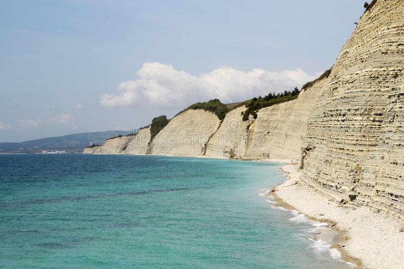 Vita klippor i Gelendzhik, Ryssland arkivbilder