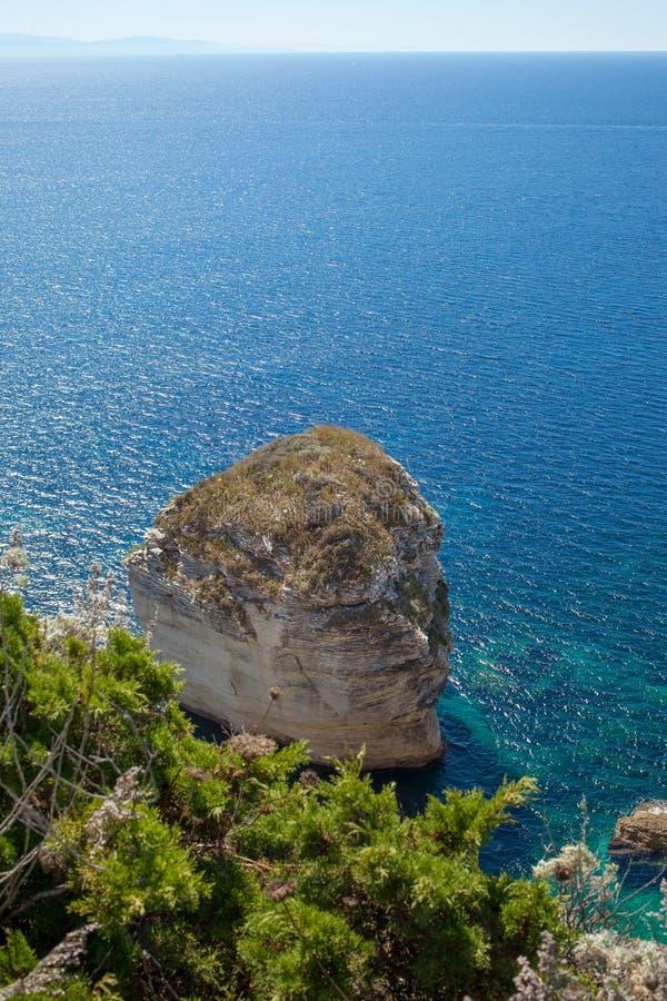 Download Vita Klippor, Korsika, Frankrike. Fotografering för Bildbyråer - Bild av sommar, vitt: 37345497