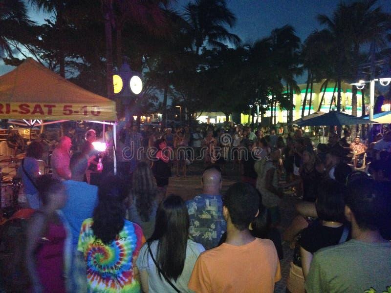 Vita notturna del Times Square in Myers Florida forte fotografie stock libere da diritti