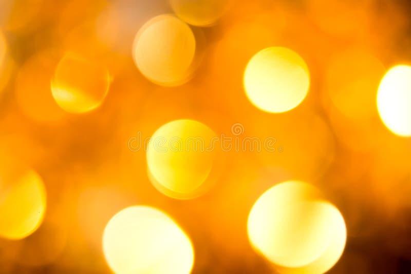 vita röda stjärnor för abstrakt för bakgrundsjul mörk för garnering modell för design Festlig abstrakt bakgrund med defocused lju fotografering för bildbyråer