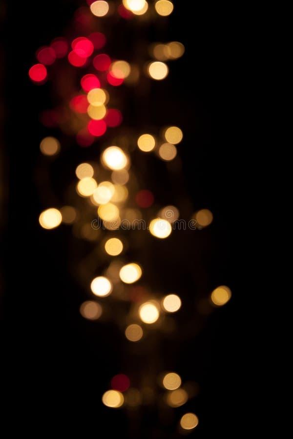 vita röda stjärnor för abstrakt för bakgrundsjul mörk för garnering modell för design Festlig elegant abstrakt bakgrund med b royaltyfria foton