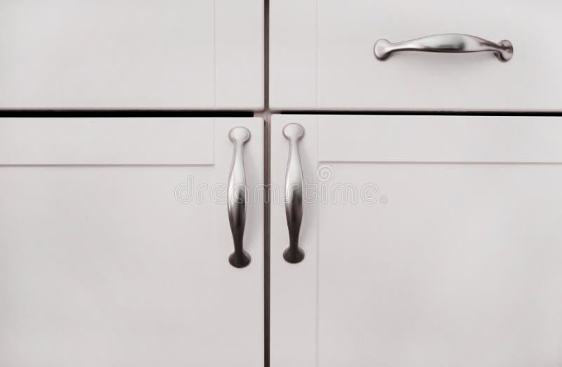 vita skåp arkivbilder
