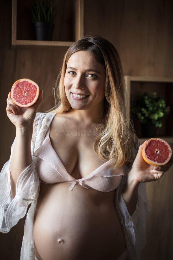 Vitamina sana para m? y el beb? foto de archivo