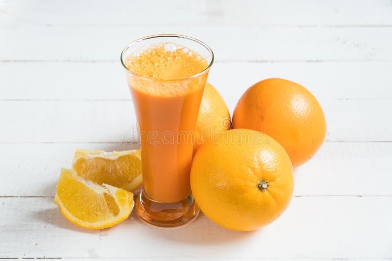 Vitaminas frescas do suco de Juice Orange imagem de stock