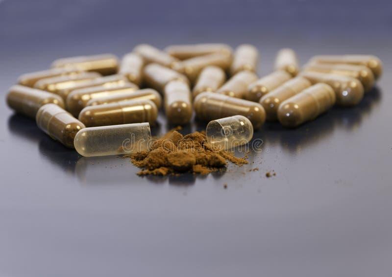 Vitaminen en supplementen stock foto's