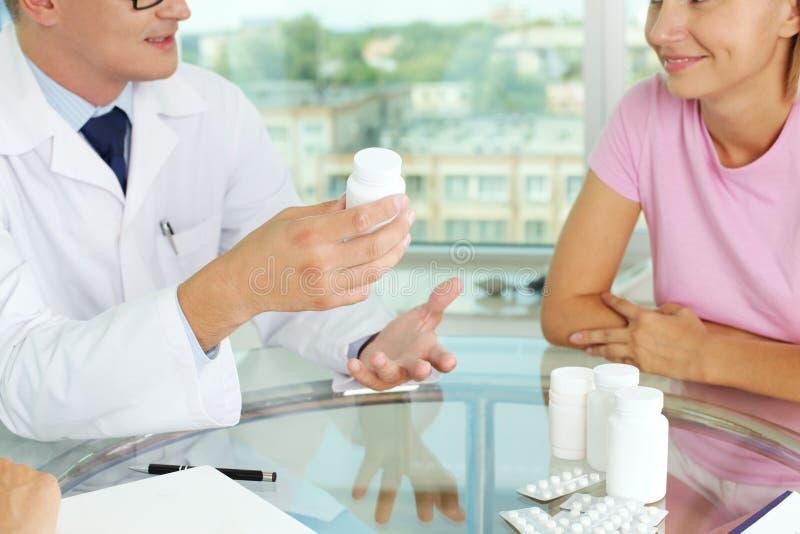 Vitaminen en tabletten royalty-vrije stock foto