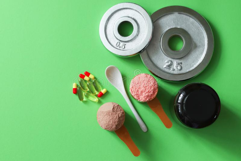 Vitamines, disques et drogues médicaux de sports image libre de droits