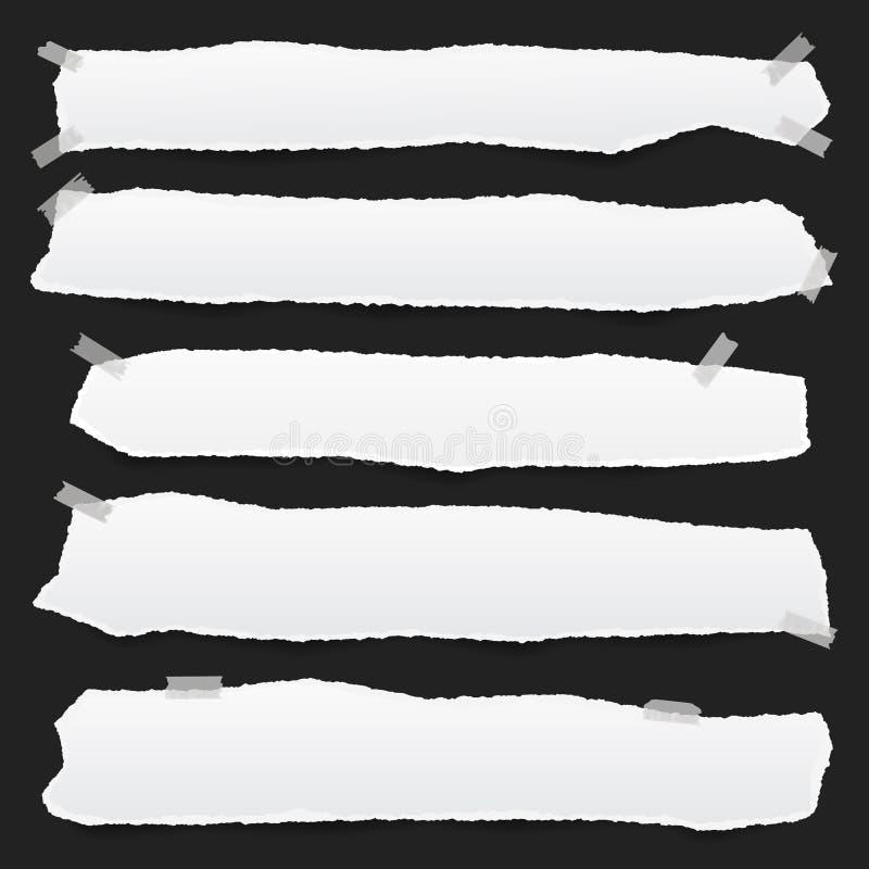 Vitbokremsor med sönderrivna kanter i horisontalpositionen som klibbas med klibbigt bandpapper för anmärkning, är på svart bakgru vektor illustrationer