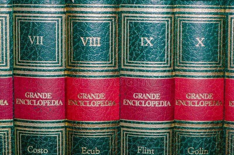 Viterbo 18/03/2018 böcker av en encyklopedi royaltyfria bilder