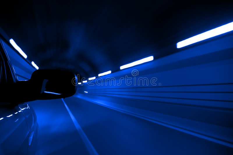 Vitesse au tunnel image stock
