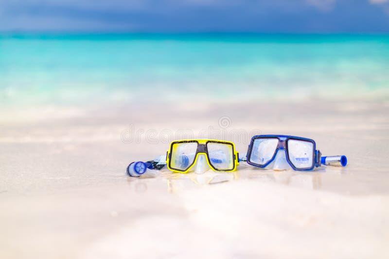 Vitesse colorée de prise d'air par la mer, les plages tropicales à distance et les pays concept de course photographie stock libre de droits