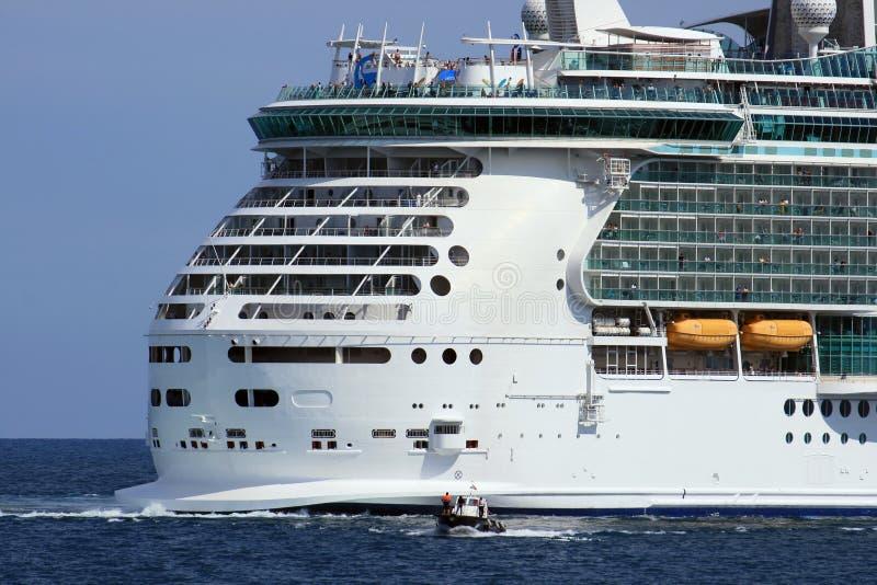 Vitesse normale et bateau pilote image stock