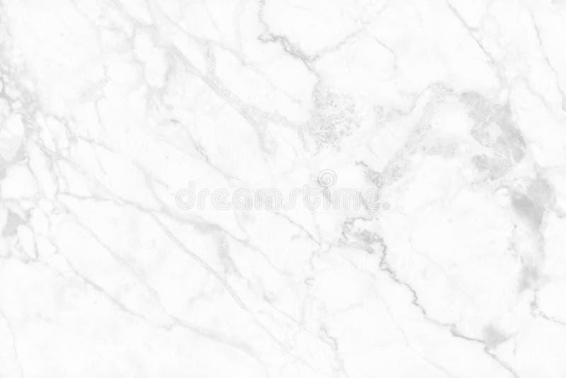 Vitgr? f?rger marmorerar texturbakgrund med h?g uppl?sning f?r detaljstrukturen, abstrakt lyxigt s?ml?st av tegelplattastengolvet royaltyfri bild