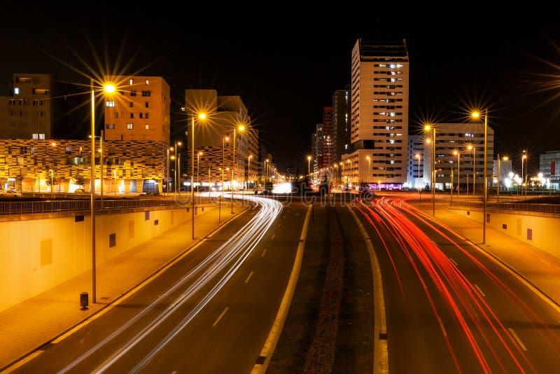 Vitorialichten bij nacht in Salburua royalty-vrije stock afbeeldingen