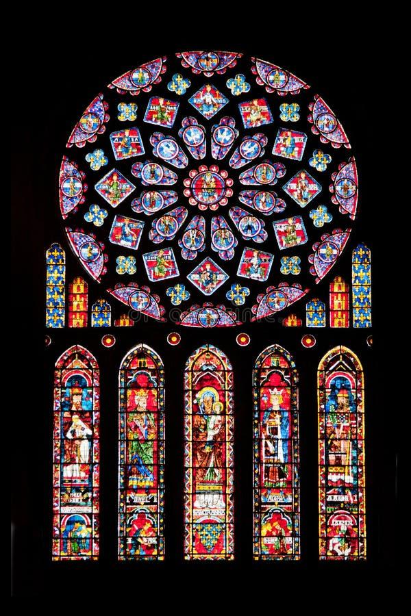 Vitrages de cathédrale de Chartres photographie stock libre de droits