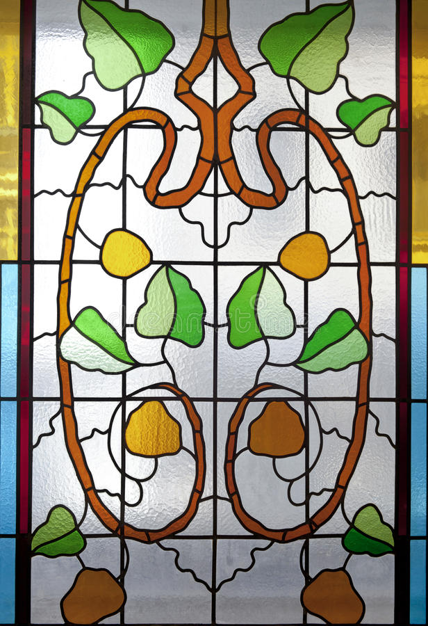 Vitral colorido com motivos florais imagens de stock