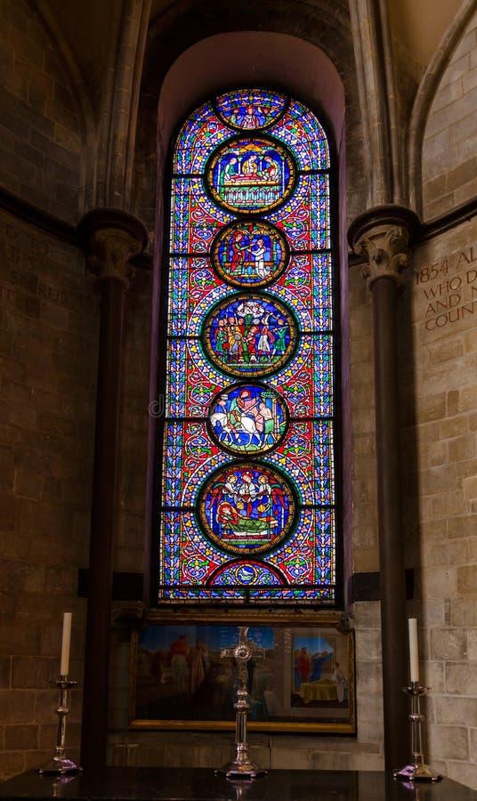 Vitral de la catedral Kent Southern Engla de Cantorbery foto de archivo