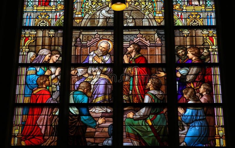 Vitral del sacramento de la confesión en Den Bosch Cathed fotos de archivo libres de regalías