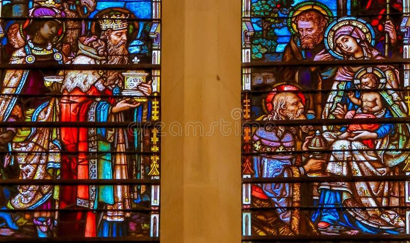 Vitral do esmagamento na catedral de Burgos imagens de stock