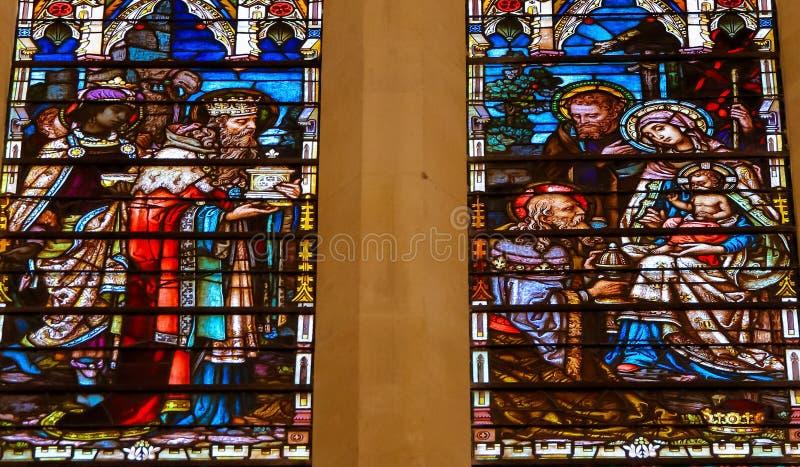 Vitral do esmagamento na catedral de Burgos imagem de stock