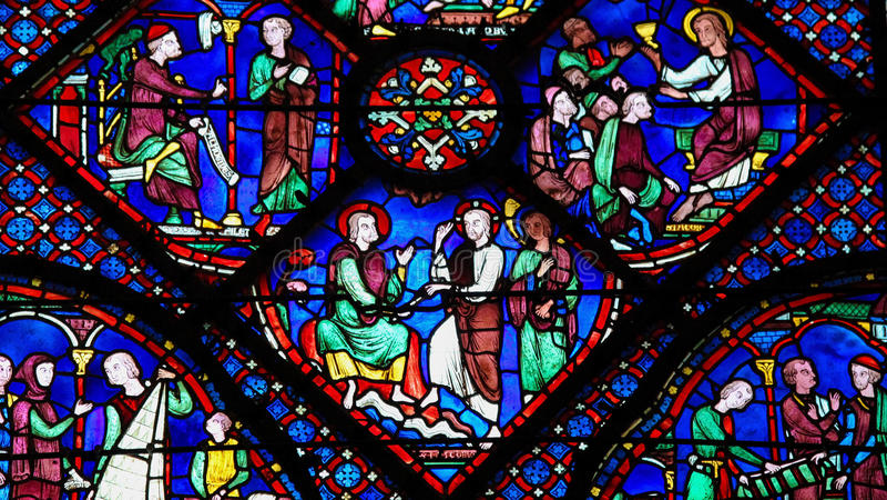 Vitral En La Catedral De Chartres Fotos - Libres de Derechos y Gratuitas de  Dreamstime