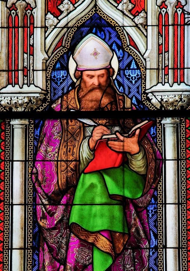 Vitral en los Dom de Colonia - St Augustine fotografía de archivo