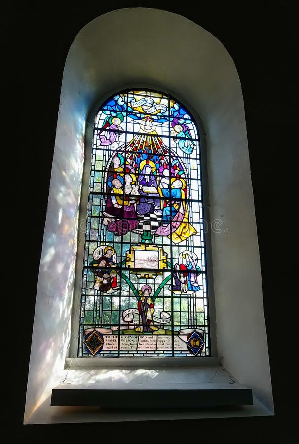 Vitral en San Pedro y St Paul Parish Church fotos de archivo