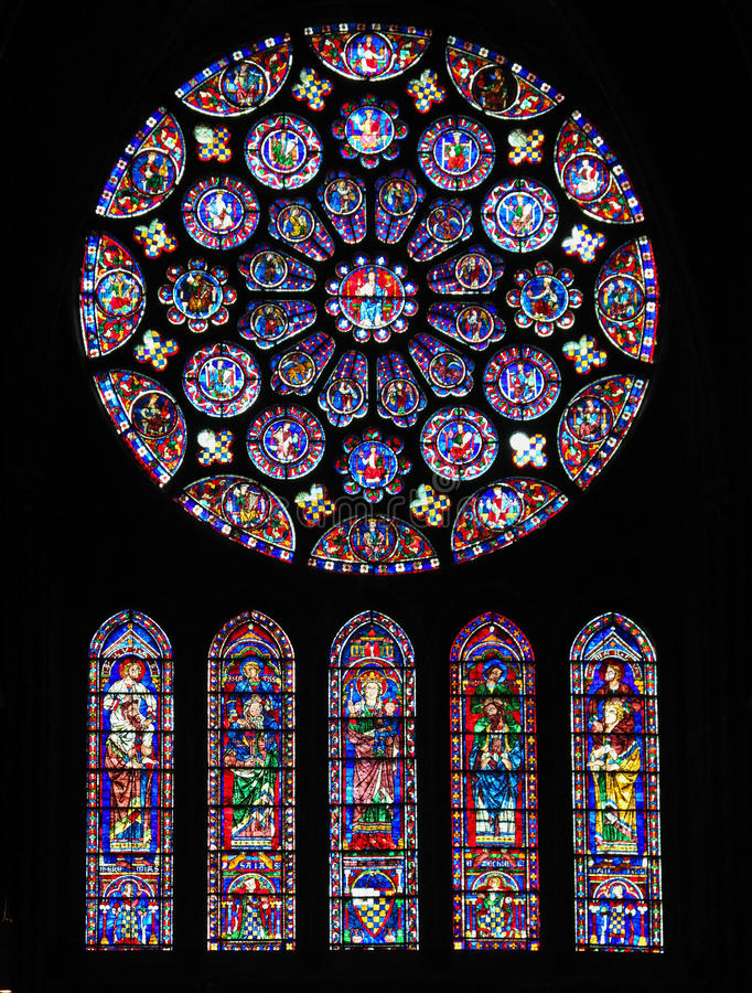 Vitral na catedral de Chartres foto de stock royalty free