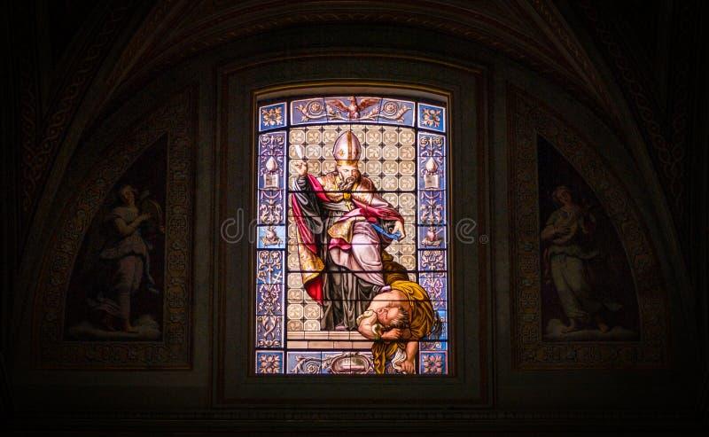 Vitral na igreja do ` Agostino de Sant em Roma, Itália foto de stock royalty free