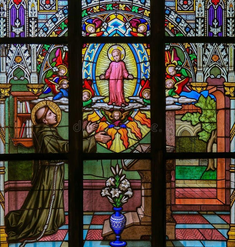 Vitral - St Anthony de Padua imágenes de archivo libres de regalías
