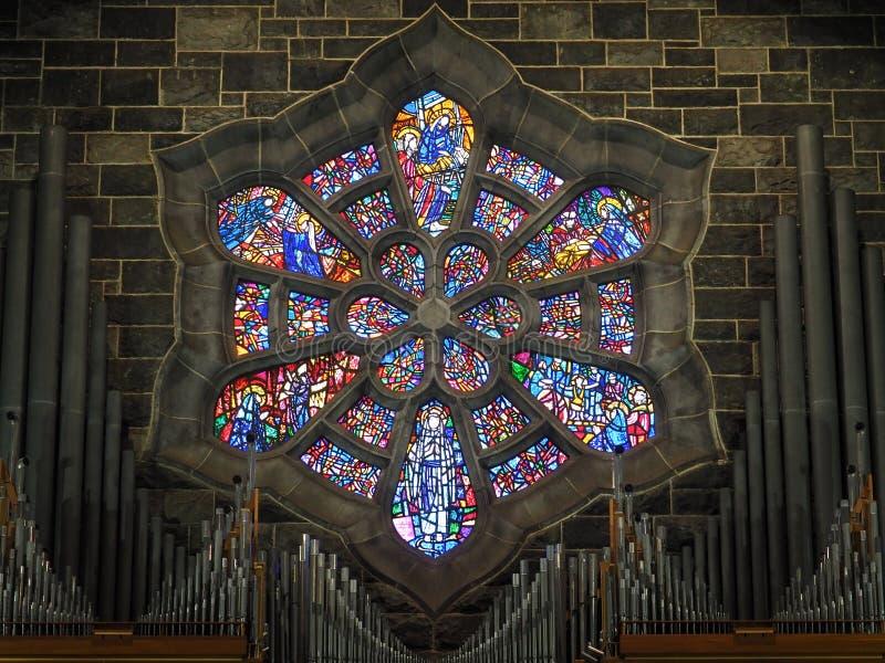 Vitral Windows na Irlanda da catedral de Galway foto de stock