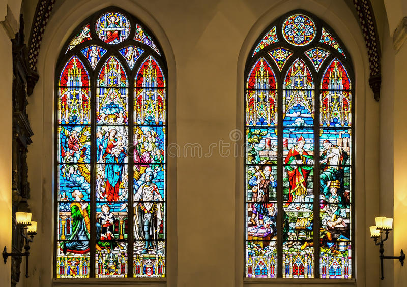 Vitraux de Steined dans l'église, Riga, Lettonie photographie stock libre de droits