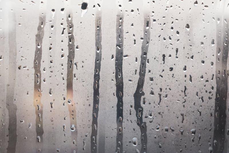 Vitraux humides avec le setam photo stock