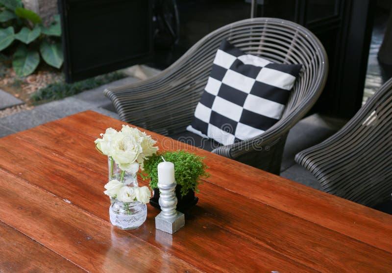 Vitro i en glass vase arkivbilder