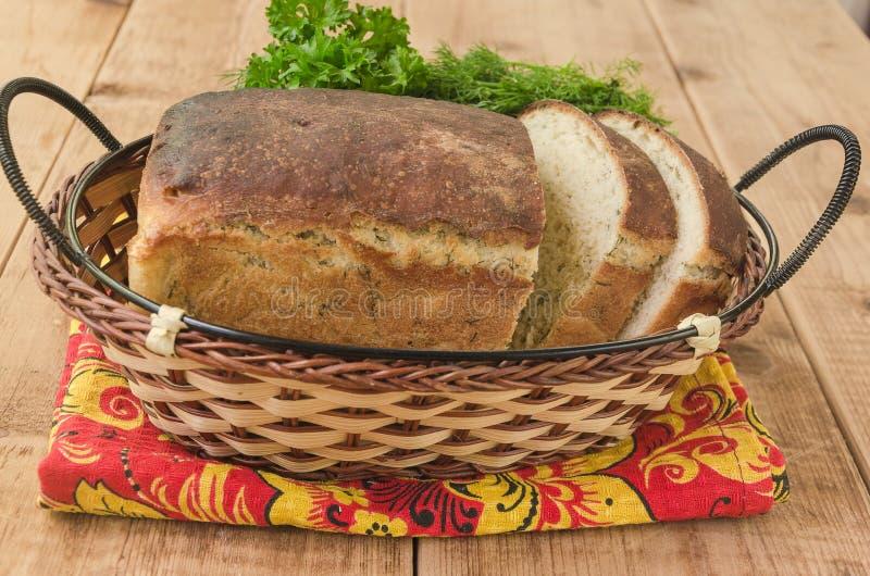 Vitt bröd släntrar med dill fotografering för bildbyråer